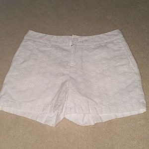 White flower design shorts